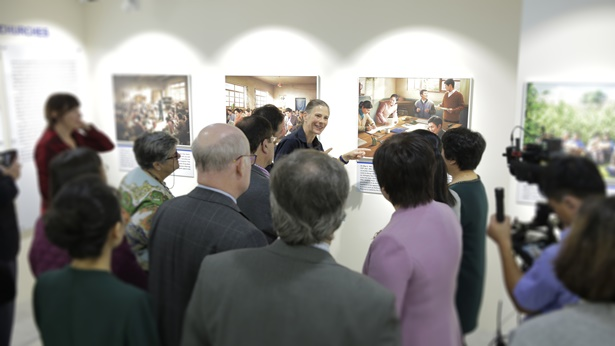 Zachodni uczeni przybywają do Seulu na premierę wystawy fotograficznej Kościoła Boga Wszechmogącego